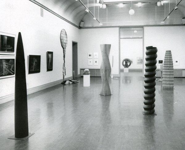 Liiton 50- vuotisjuhlanäyttely Helsingin Taidehallissa vuonna 1993